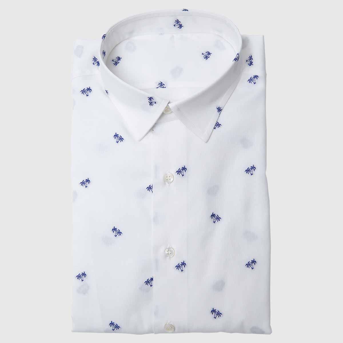 Camicia bianca con disegni