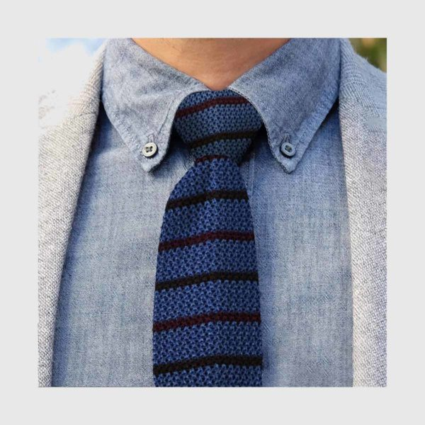 Azure and bordeaux knitted striped tie