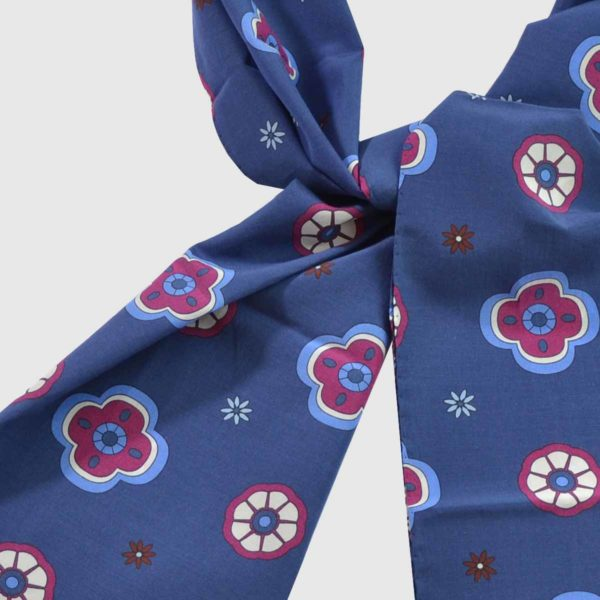 Foulard cotone seta fondo blu