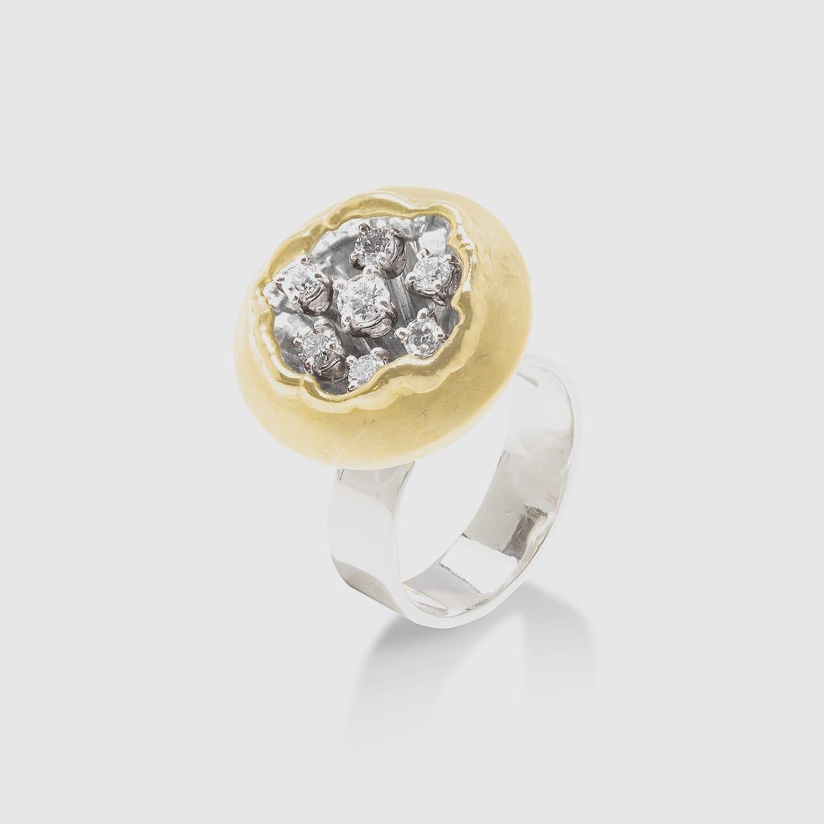 Inside sferico con diamanti centrali