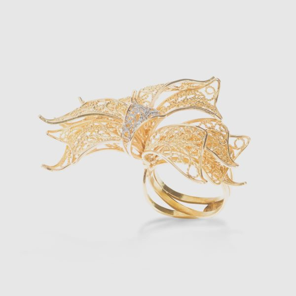 Double ring in a 18k Yellow Gold Filigree