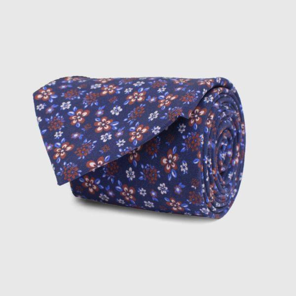 Cravatta 5 pieghe stampa floreale fondo blu