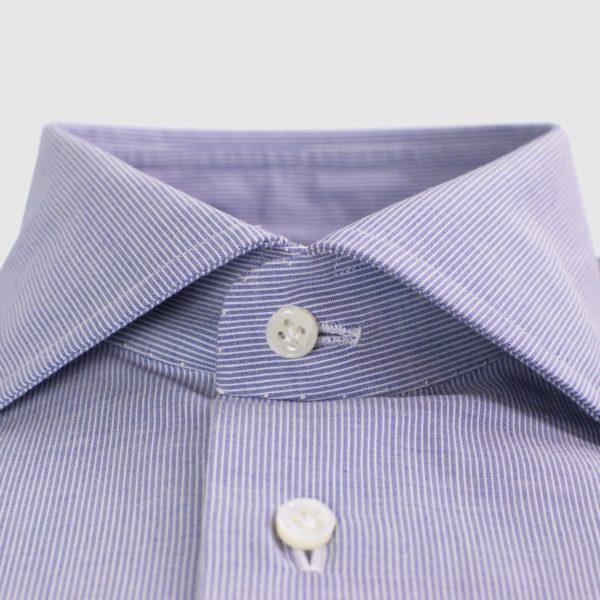 Camicia in cotone millerighe bianca e blu con polso fagiolo