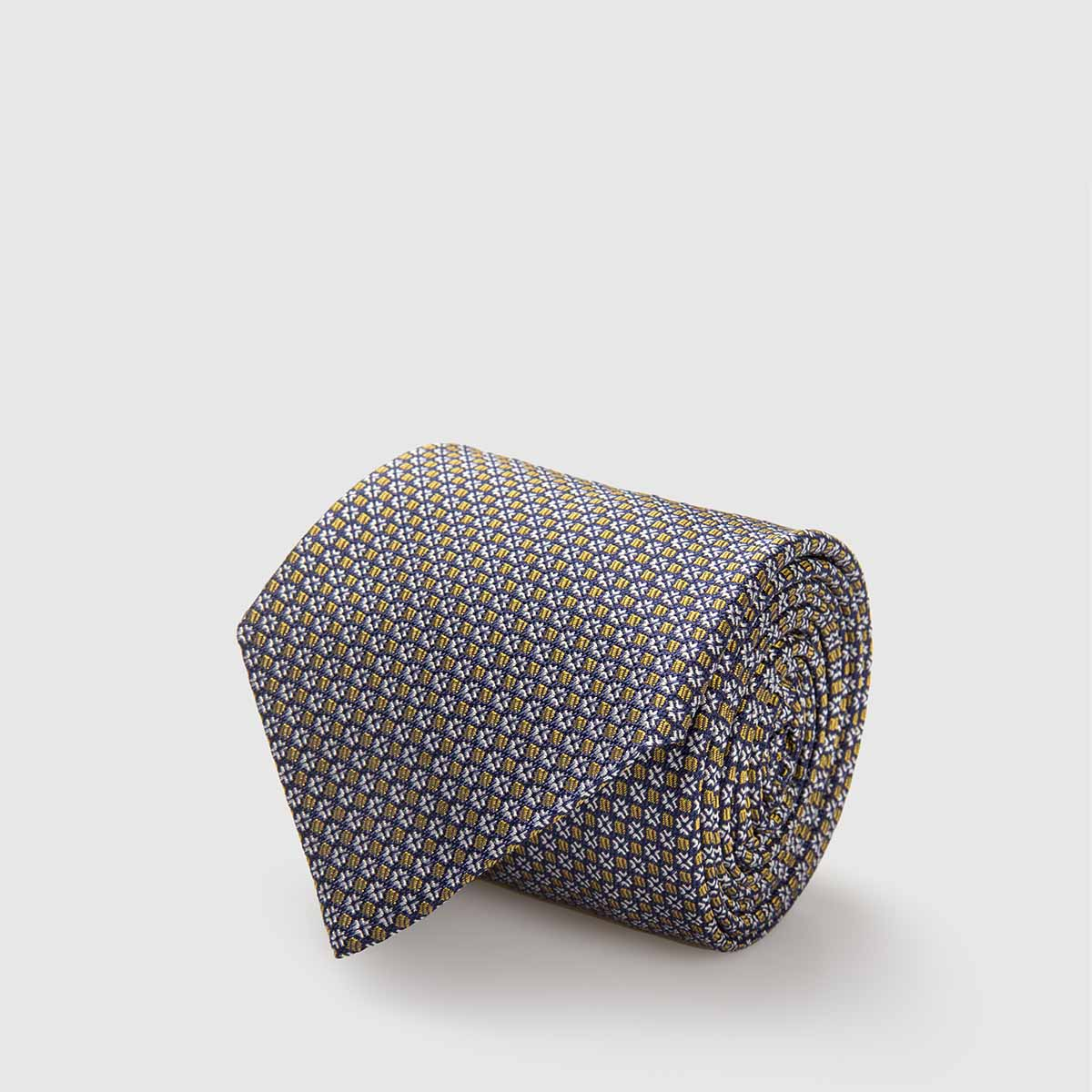 5-Fold Silk Jacquard Tie with geometrical pattern in gold and white