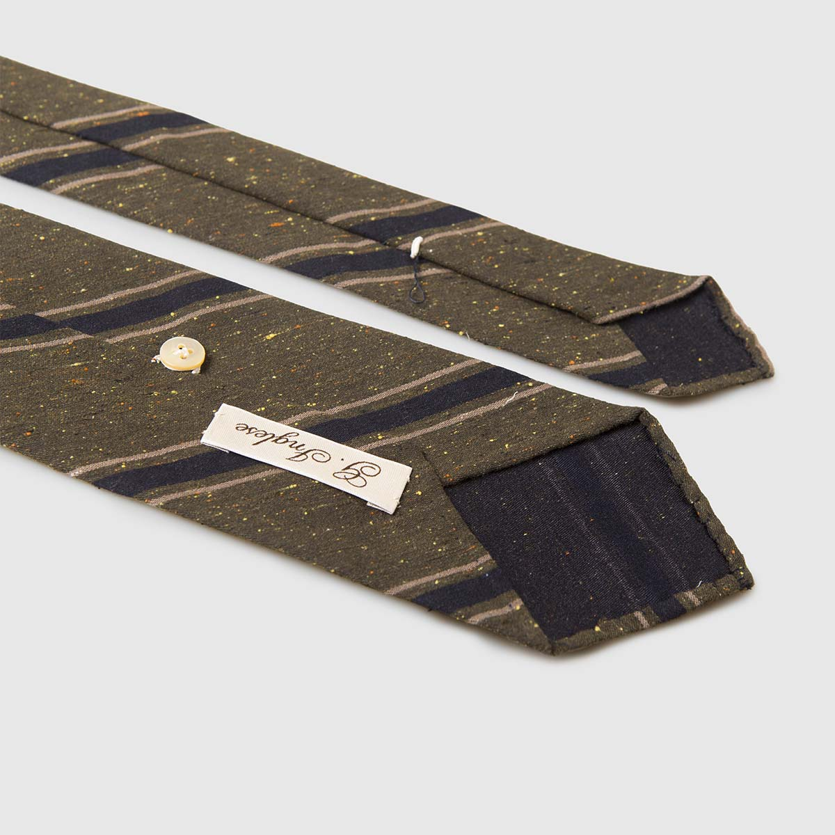 G Inglese Silk Shantung Tie with dark green background