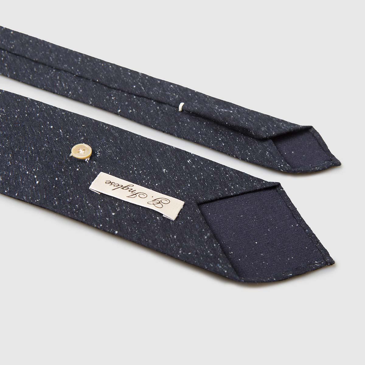 Cravatta rifinita a mano in pregiato Shantung di Seta blu G.inglese
