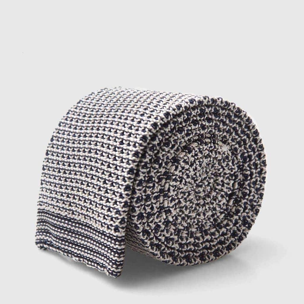 Cravatta Tricot a trama larga mosaico bianco e nero