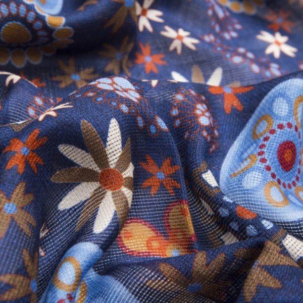 Sciarpa misto Lana Seta Blu navy con fantasie floreali