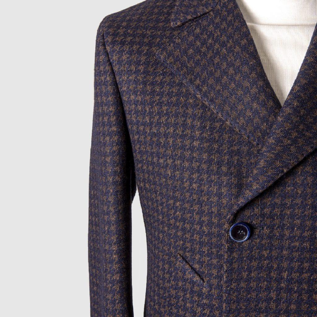 """Short double breasted """"pied de poule"""" coat"""