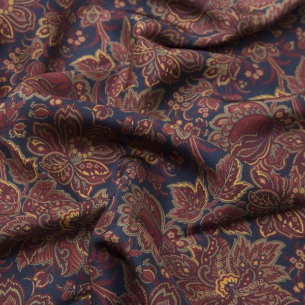 Sciarpa in Seta Habotai Blu background dettagli rossi