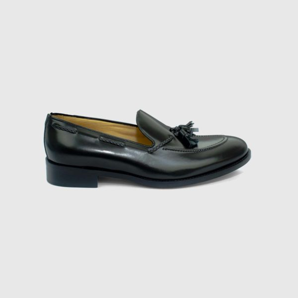 Noir Tasseled Loafers