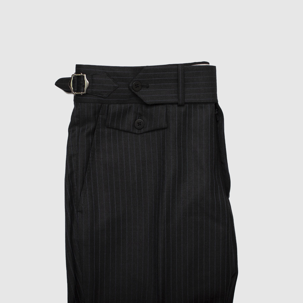 Dark gray one pleat wool trousers