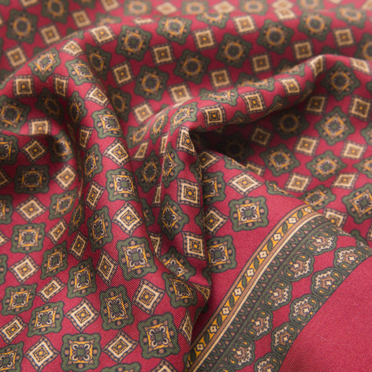 Fringed red Silk-Wool scarf with patterns