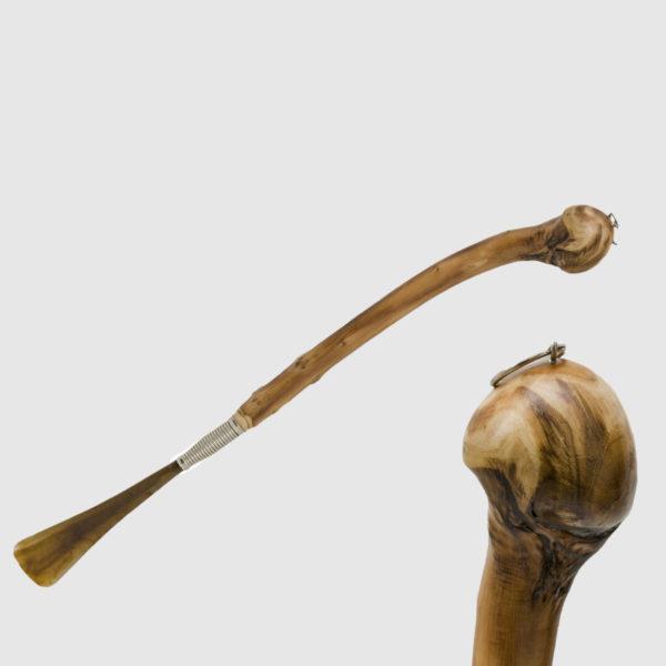 Calzascarpe in legno di castagno