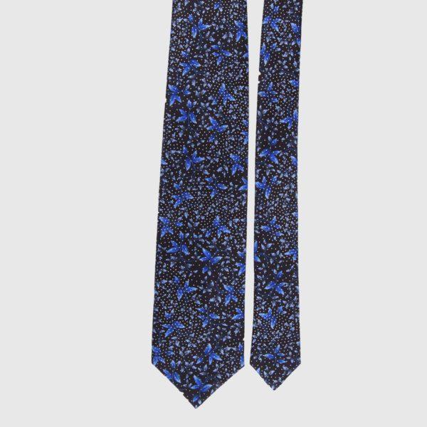 Cravatta di seta in indaco floreale