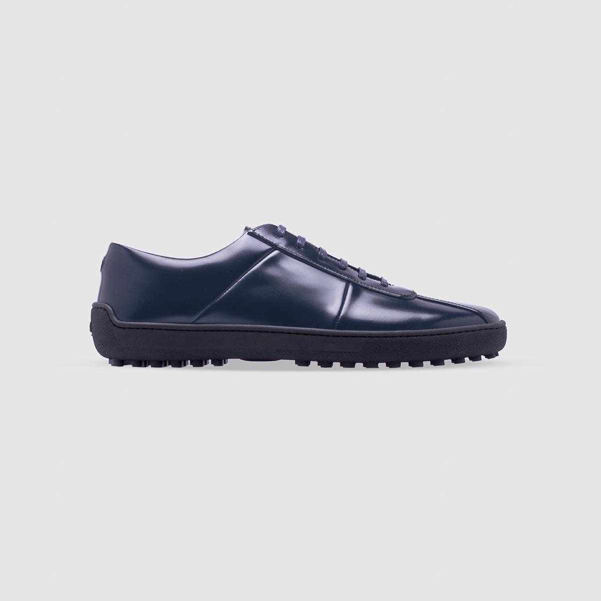 Sneaker blu in pelle di vitello spazzolato