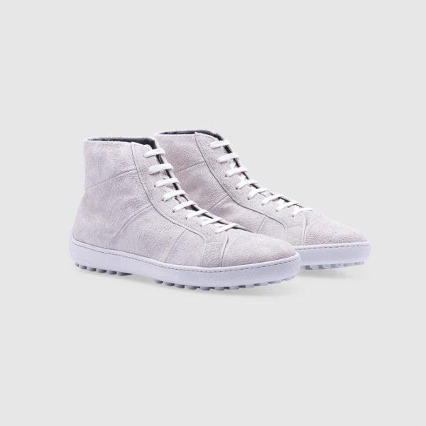 White sneaker in suede