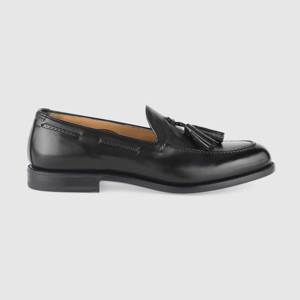 Loafers with Tassels in Black Calfskin