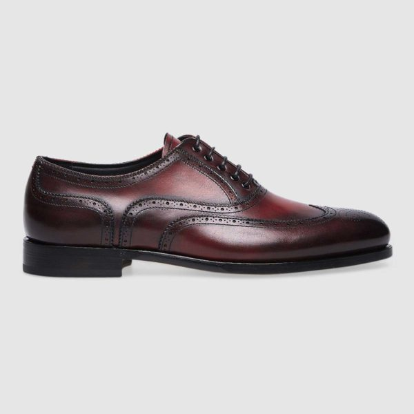 Lace-ups in soft red calfskin