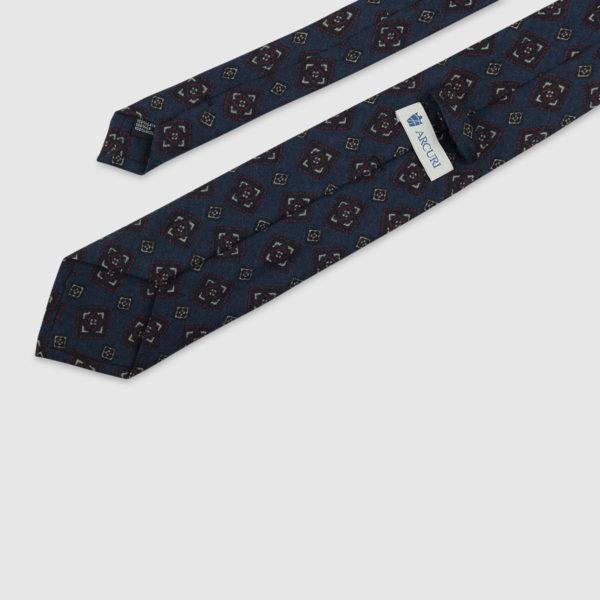 Cravatta 3 Pieghe 100% Lana Blu Con Fantasia